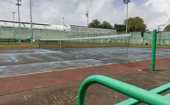 TENNIS: SIGN UP, AND KEEP DISTANCE WITH EASE